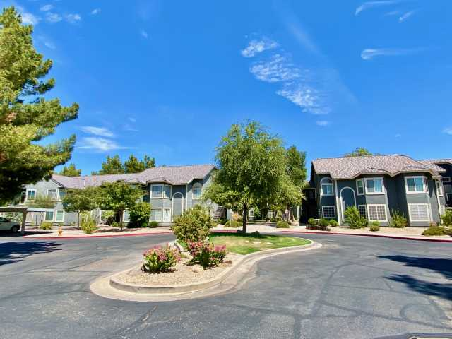 Photo of 255 S KYRENE Road #141, Chandler, AZ 85226