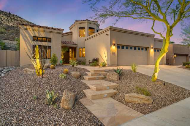 Photo of 6058 W ROBIN Lane, Glendale, AZ 85310