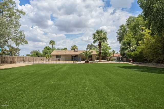 Photo of 4241 W PARADISE Lane, Phoenix, AZ 85053