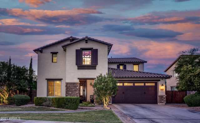 Photo of 702 W SAN CARLOS Way, Chandler, AZ 85248