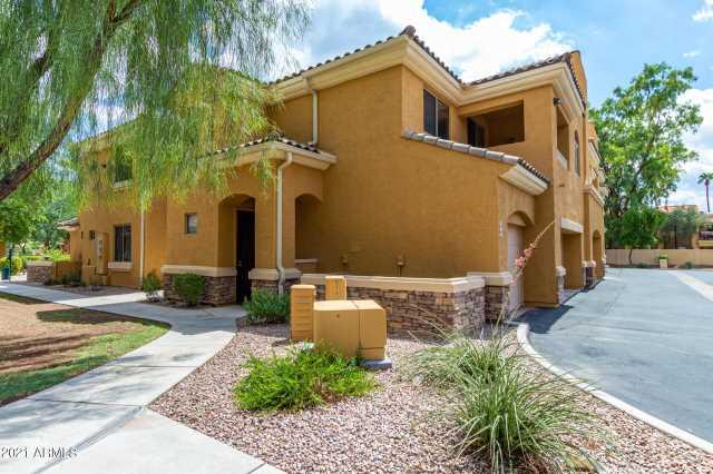 Photo of 955 E KNOX Road #224, Chandler, AZ 85225