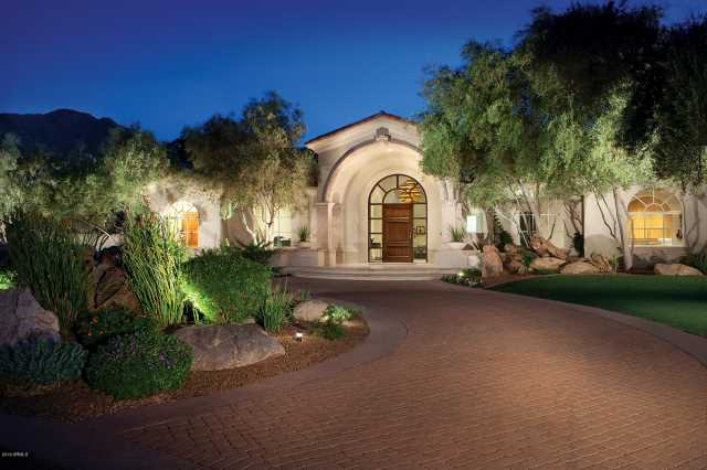 Photo of 6001 E NAUMANN Drive, Paradise Valley, AZ 85253