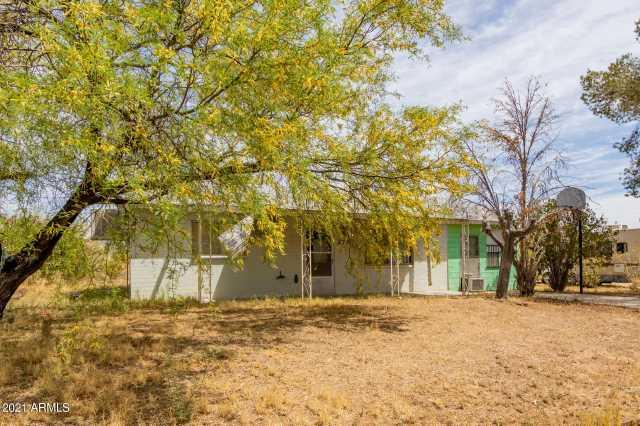 Photo of 372 PERETZ Circle, Morristown, AZ 85342