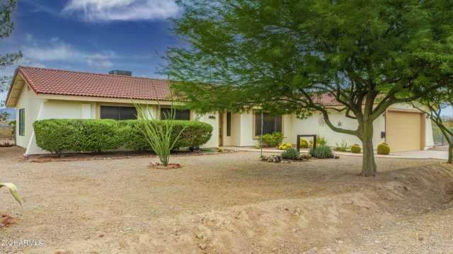 Photo of 685 N Horseshoe Trail, Wickenburg, AZ 85390