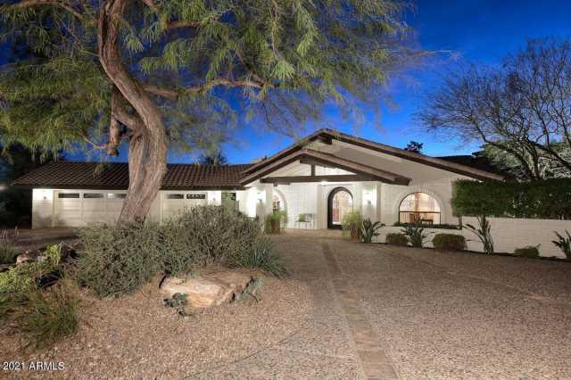 Photo of 3301 E ROVEY Avenue, Paradise Valley, AZ 85253