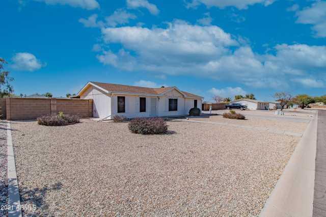 Photo of 827 E COACHWHIP Lane, San Tan Valley, AZ 85140