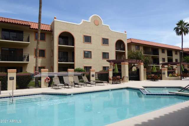 Photo of 10330 W THUNDERBIRD Boulevard #C205, Sun City, AZ 85351