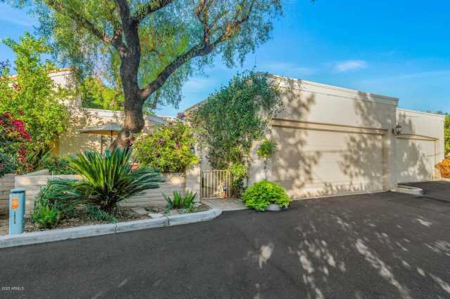 Photo of 903 W GLENDALE Avenue #4, Phoenix, AZ 85021