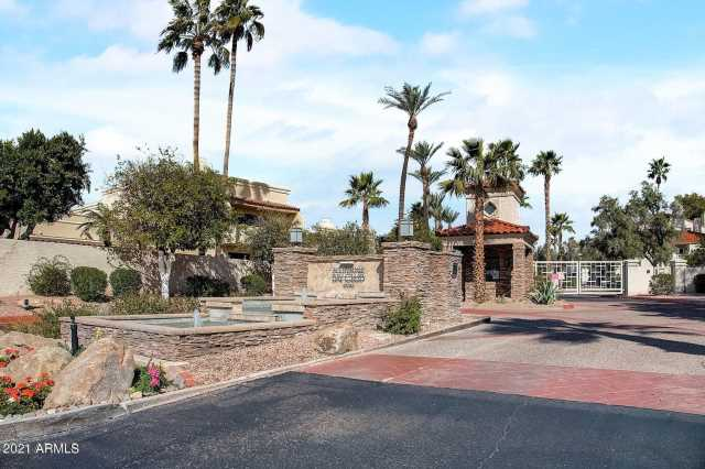 Photo of 10080 E Mountainview Lake Drive #B-108, Scottsdale, AZ 85258