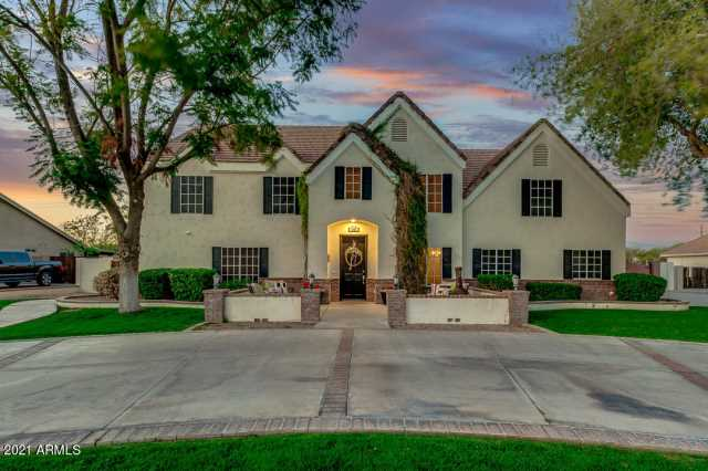 Photo of 1832 E LEXINGTON Avenue, Gilbert, AZ 85234