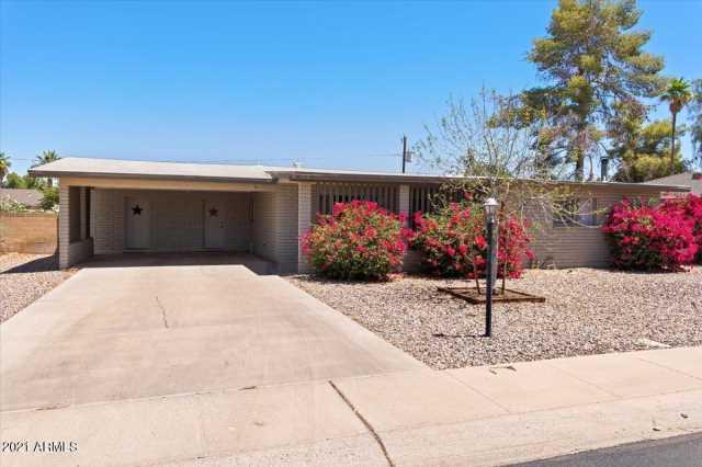 Photo of 572 W GAIL Drive, Chandler, AZ 85225