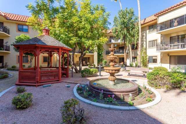 Photo of 10330 W THUNDERBIRD Boulevard #A333, Sun City, AZ 85351