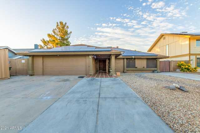 Photo of 3966 W GLENAIRE Drive, Phoenix, AZ 85053