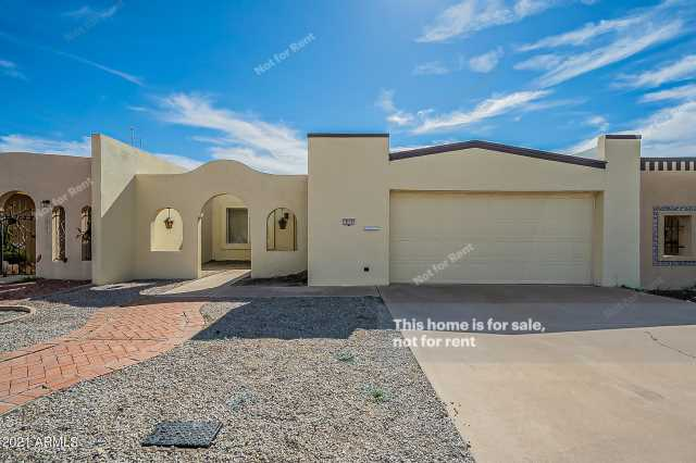 Photo of 313 W LAGUNA Drive, Tempe, AZ 85282