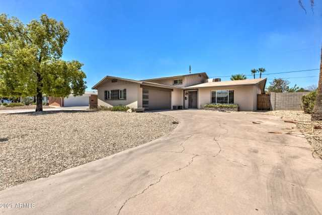 Photo of 134 E RIVIERA Drive, Tempe, AZ 85282