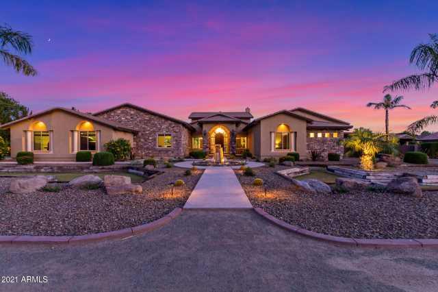 Photo of 7027 W BANFF Lane, Peoria, AZ 85381