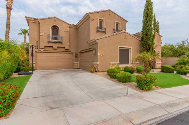 Photo of 3151 S KIMBERLEE Way, Chandler, AZ 85286