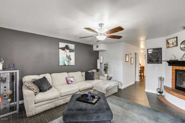 Photo of 1425 E DESERT COVE Avenue #10, Phoenix, AZ 85020