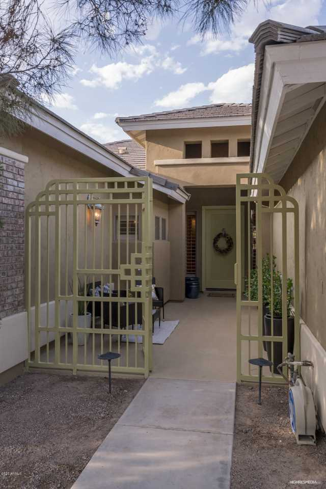 Photo of 414 W LOUIS Way, Tempe, AZ 85284