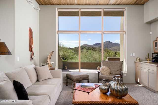 Photo of 9939 E GRAYTHORN Drive, Scottsdale, AZ 85262