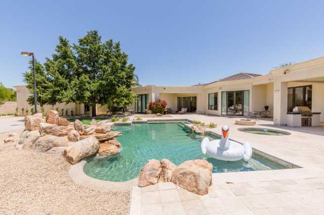 Photo of 6502 N LOST DUTCHMAN Drive, Paradise Valley, AZ 85253