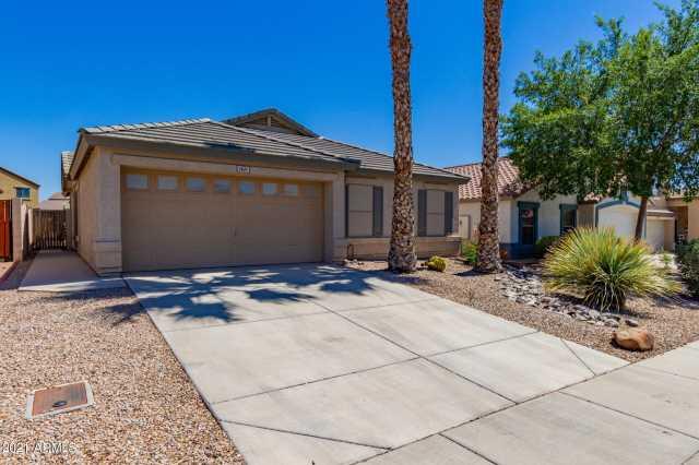 Photo of 1421 E SHARI Street, San Tan Valley, AZ 85140