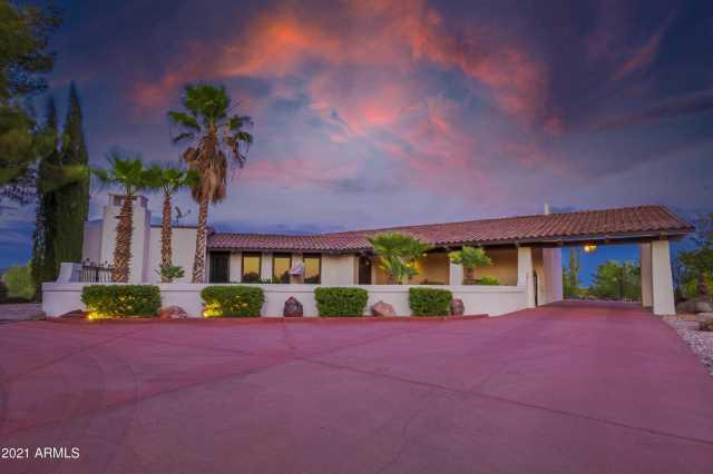 Photo of 32765 W CHEROKEE Lane, Wickenburg, AZ 85390