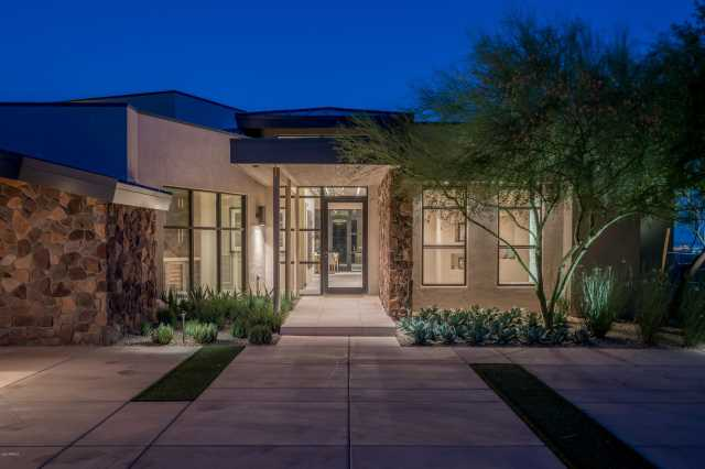 Photo of 7537 N LAKESIDE Lane, Paradise Valley, AZ 85253