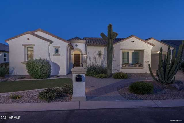 Photo of 16747 W HOLLY Street, Goodyear, AZ 85395