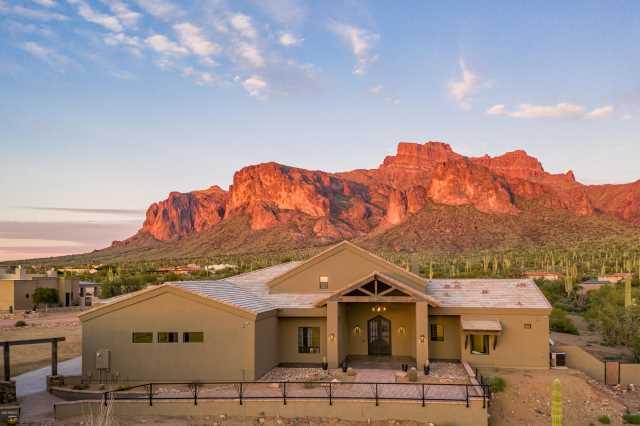 Photo of 496 N LA BARGE Road, Apache Junction, AZ 85119