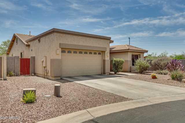 Photo of 2403 N RAVEN Circle, Mesa, AZ 85207