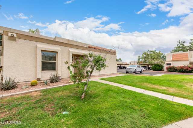 Photo of 1342 W EMERALD Avenue #317, Mesa, AZ 85202