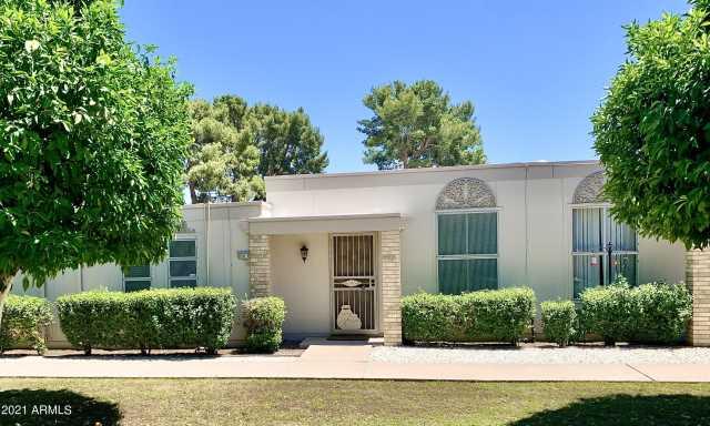 Photo of 10050 W ROYAL OAK Road #B, Sun City, AZ 85351