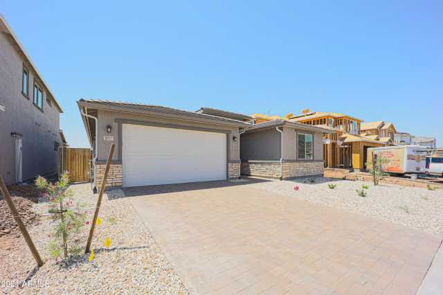 Photo of 8957 W Missouri Avenue, Glendale, AZ 85305