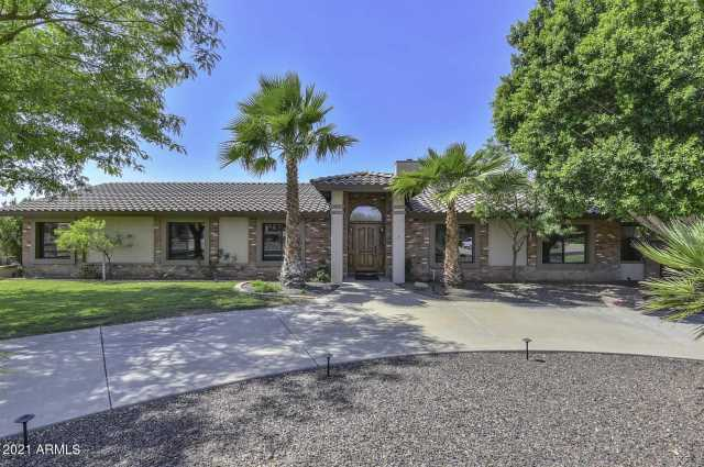 Photo of 5521 W MISTY WILLOW Lane, Glendale, AZ 85310