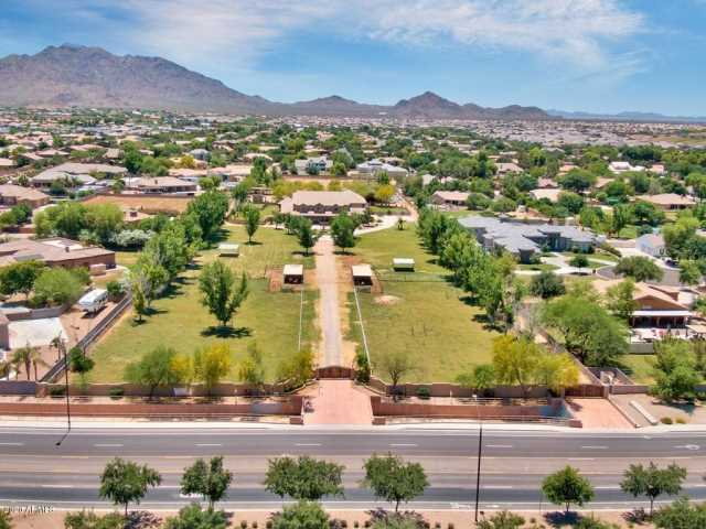 Photo of 2683 E CHANDLER HEIGHTS Road, Gilbert, AZ 85298