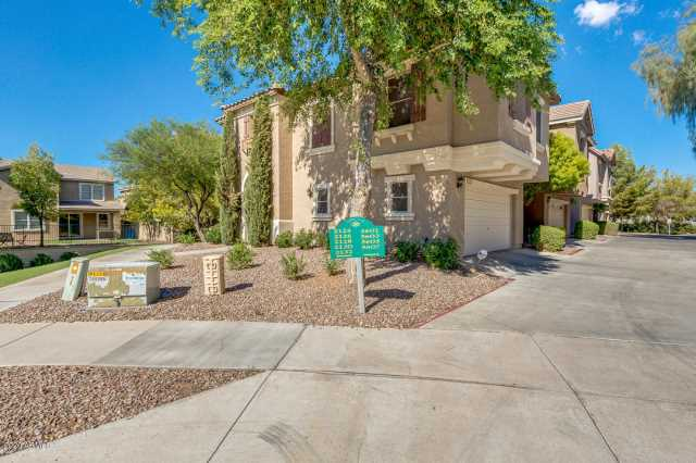 Photo of 2124 E FRAKTUR Road, Phoenix, AZ 85040