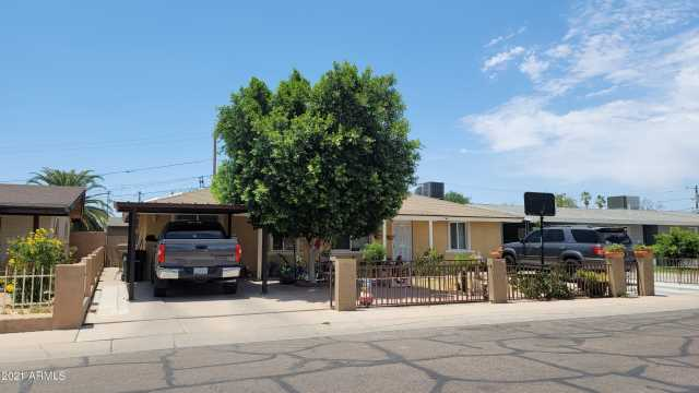 Photo of 826 N LOS ROBLES Drive, Goodyear, AZ 85338