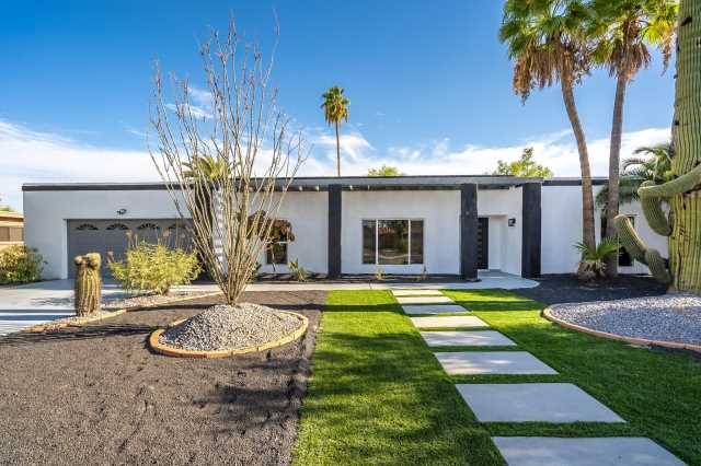 Photo of 6621 E SHARON Drive, Scottsdale, AZ 85254