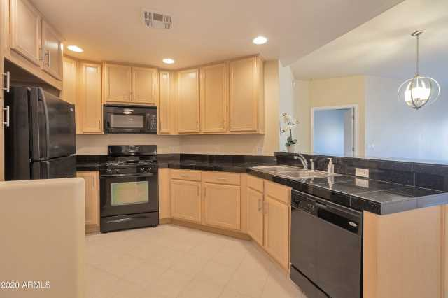 Photo of 5350 E DEER VALLEY Drive #3250, Phoenix, AZ 85054