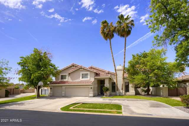 Photo of 20 E LOS ARBOLES Circle, Tempe, AZ 85284