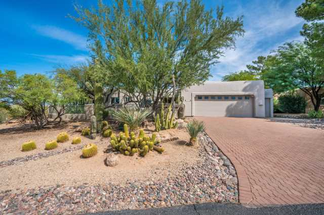 Photo of 1816 E EAGLE CLAW Drive, Carefree, AZ 85377