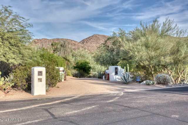 Photo of 8161 N 51ST Place, Paradise Valley, AZ 85253