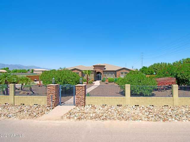 Photo of 18710 W CATALINA Drive, Litchfield Park, AZ 85340