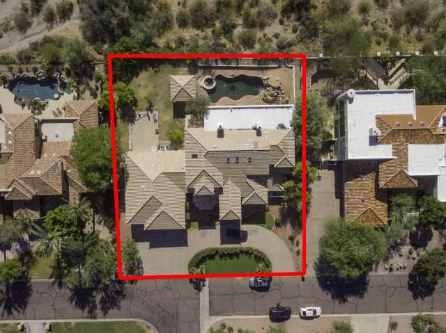 Photo of 12642 S HONAH LEE Court, Phoenix, AZ 85044
