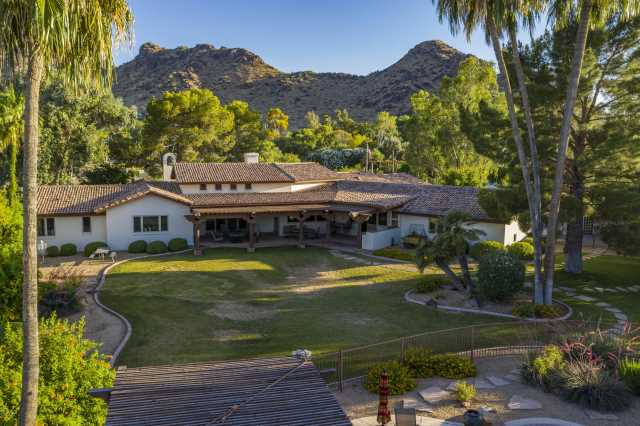 Photo of 5724 E MOCKINGBIRD Lane, Paradise Valley, AZ 85253