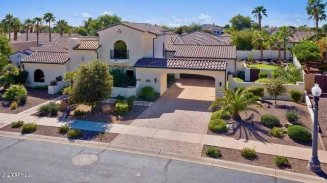 Photo of 290 N CLOVERFIELD Circle, Litchfield Park, AZ 85340