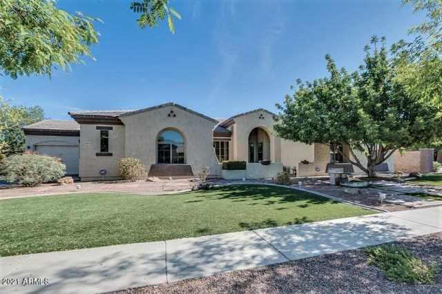 Photo of 8004 W SAN JUAN Avenue, Glendale, AZ 85303
