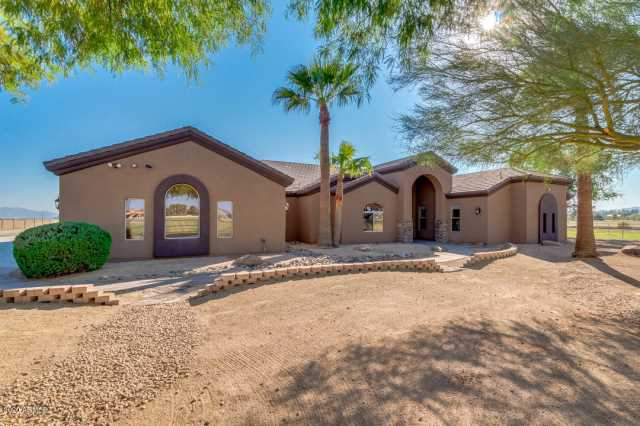 Photo of 17133 W GLENDALE Avenue, Waddell, AZ 85355