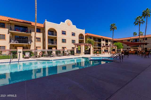 Photo of 10330 W THUNDERBIRD Boulevard #C206, Sun City, AZ 85351